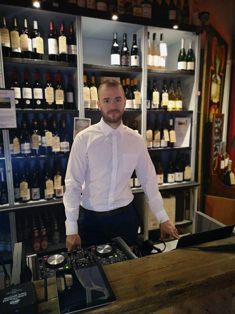 Surrey wedding DJ